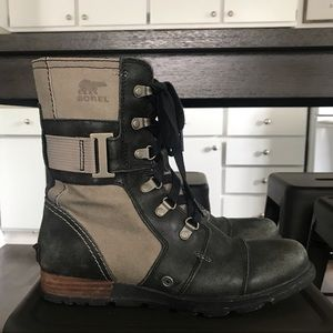 Sorel Women's Major Carly Combat Boot - Size 8